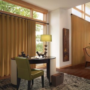 Hunter-Douglas_Vignette_Traverse_Patio-Door-2-1024x768